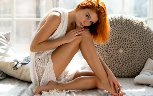 alison fox, martha gromova, model, pretty, redhead, blue eyes, legs, tanned, non nude, soft focus