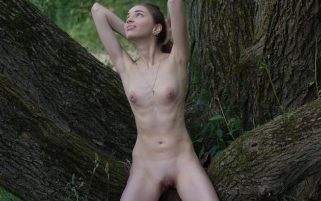 Nagma hot nude boobs