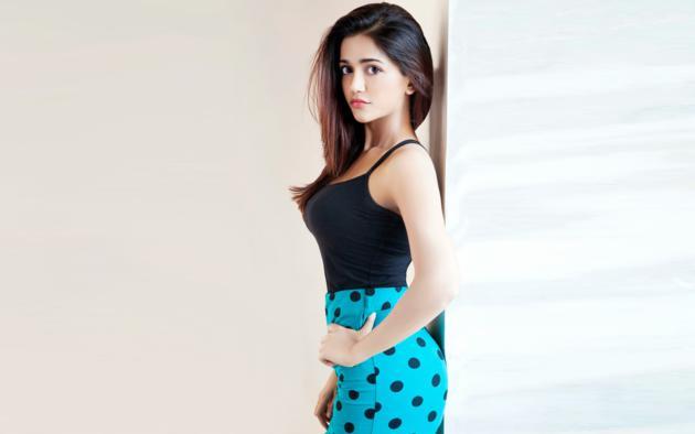 Anaika Soti, Non Nude, Dressed, Hot, Sexy, Indian