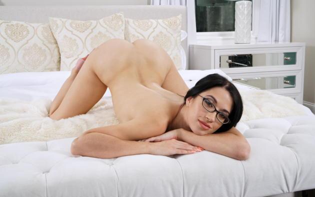 Alex Coal Nude