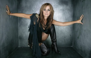 louise redknapp, singer, boots, high boots, leather, crotch boots, celebrity, brunette, sexy babe, kneeling, sexy dressed, fantasy, personality, celebrity, babes in boots, real celebs wall