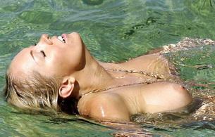 aisleyne horgan wallace, titts, water