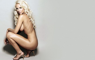 naked, hot, luciana salazar, blonde, minimalist wall