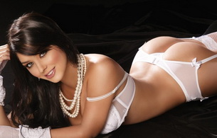 hot, sexy, lingerie, brunette, ass, smile, cute, bed, mariana davalos