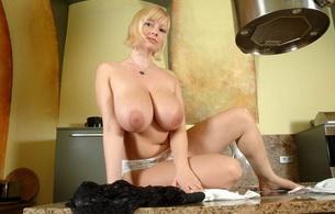 blond, buxom, bombshell, kitchen, busty, boobs