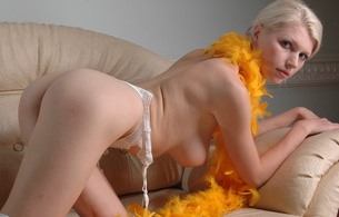 maria d, platinum blonde, met art, natural, white lingerie, hires, boa, feathers, all natural, sexy, perfect girl, hot ass, sofa, perfect ass, boobs, tits