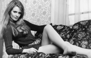 celia hammond, british, model, sexy babe, long hair, sitting, posing, sofa, smile, legs, feet, personality, retro, hi-q, black and white, b&w, celia, real celebs wall