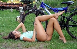 eva jane, brunette, sexy girl, adult model, bicycle, beautiful female legs, pussy, cunt, fanny, labia, boceta, outdoors, velocipede, cosima, hamburger pussy