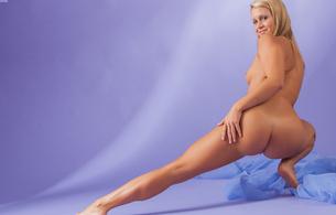 giulietta, blonde, nude, legs, ass, tits, pussy, hot body, butt, buttocks, arse, bum, ляжки