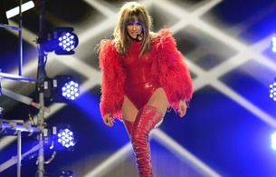jennifer lopez, american, celebrity, singer, actress, glamour, hollywood, brunette, latina, sexy babe, long hair, on stage, singing, sexy, dressed, red, shiny, leotard, overknee, crotch boots, jennifer