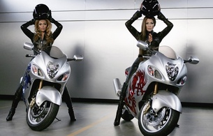 beyonce knowles, brunette, ebony, singer, jennifer lopez, latina, actor, glamour, sexy babe, long hair, celebrity, 2 babes, sexy, dressed, black, leather, catsuit, knee boots, racing, bike, two, fetish babe, beyonce, jennifer, real celebs wall, babes in boots, helmet