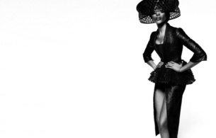 naomi campbell, british, exotic, supermodel, celebrity, actress, ebony, sexy babe, brunette, long hair, posing, fancy dressed, black, leather, robe, hat, sexy legs, decollete, erotic, fashion, black and white, b&w, naomi, hi-q, real celebs wall