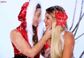 kissa sins, dani daniels, hot girls, sexy girls, santa baby, christmas, new year, red lips