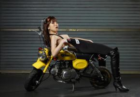 reina yuuki, reina, motorcycle, minimoto, sexy, hi-q, boots, asian