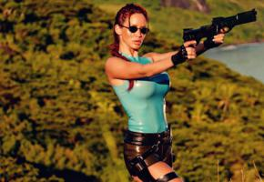 bianca beauchamp, busty, canadian, cosplay, fetish model, fetish queen, outdoor, tight clothes, latex, tomb raider set 2, girls and guns, lara croft, sexy, shiny, rubber, fetish, bianca, fetish babe