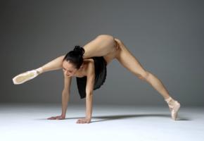 magdalena, brunette, ballerina, semi naked, shaved pussy, labia, spread legs, ultra hi-q, pussy, flexible