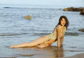 astrid berges, brunette, natural, boobs, smile, wet, topless, beach, sea, astrid berges-frisbey