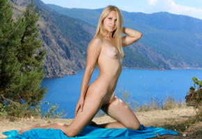 belonika, blonde, outdoors, naked, small tits, puffy nipples, shaved pussy, smile, hi-q, skinny, sexy, kendell