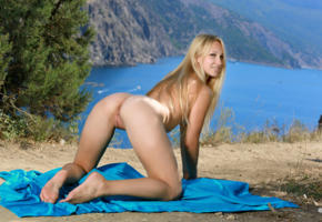 belonika, blonde, outdoors, naked, shaved pussy, labia, ass, doggy, spread legs, smile, hi-q, sexy, tip toes, hot ass, pussy, perfect butthole, kendell