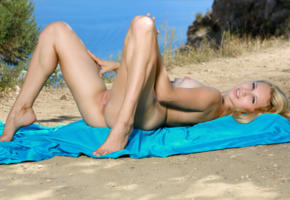 belonika, blonde, outdoors, naked, small tits, puffy nipples, shaved pussy, labia, ass, spread legs, smile, hi-q, nipples, tip toes, shaved, pussy, kendell