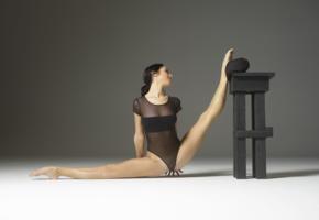 julietta, flexible, model, petite, elastic, legs, smile, tip toes, skinny, brunette, hi-q, spread eagle, sexy, spread legs