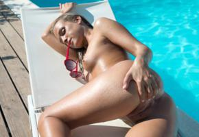 vinna reed, cristal caitlin, vienna reed, shanie ryan, blonde, pool, naked, tits, nipples, shaved pussy, labia, ass, sunglasses, hi-q, hot, ass wallpaper