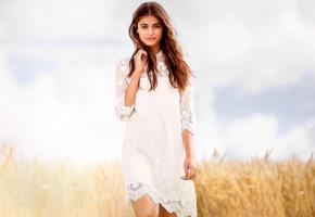 taylor marie hill, top fashion model, blue eyes, classy, brunette, dress, field, bad quality