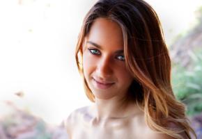 uma jolie, pretty, portrait, young, green eyes, smile, belicia, belicia ii, belicia segura, luna, madeline clark, bad quality