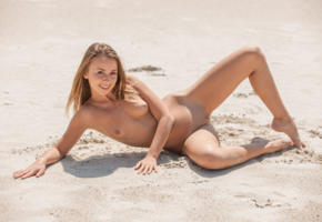 linda chase, linda, aida, linda a, beach, naked, small tits, shaved pussy, labia, spread legs, smile, hi-q