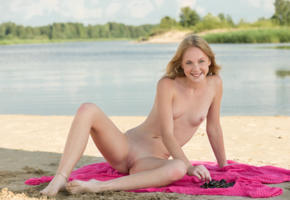 runa, blonde, beach, naked, tits, nipples, shaved pussy, labia, ass, spread legs, smile, ultra hi-q, pussy