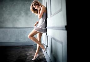doutzen kroes, top model, beautiful, undies, underwear, stilettos, lingerie, non nude, dutch, mooi meisie, netherlands
