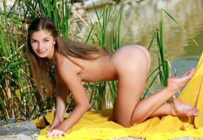 vivian, grass, vagina, sexy, outdoor, pussy, ass, legs, smile, nude, yellow, green, tits, necklace