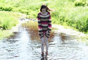 lapa, pala, taressa, model, pretty, babe, young, dress, legs, river, non nude