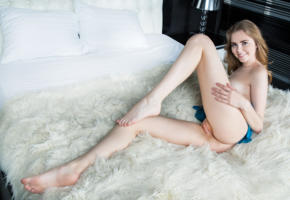 marit, naked, dress, pussy, shaved pussy, boobs, tits, hot, model, smile, hi-q, legs, feet, all natural, bed