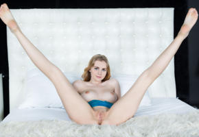 marit, naked, pussy, shaved pussy, boobs, tits, hot, model, smile, hi-q, legs, feet, all natural, bed, spreading legs