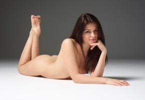 lidia, model, babe, brunette, italy, tip toes, nude