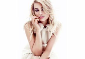 margot robbie, model, actress, blonde, beautiful, sensual lips, face, blue eyes, australian, aussie