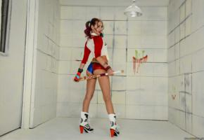 riley reid, porn star, cosplay, harley quinn, slim, shiny, hotpants, ankle boots