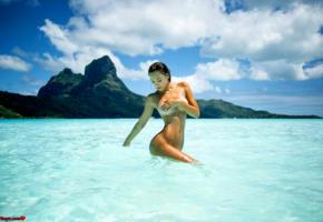 alexis ren, kim akrich 2017, final fantasy xv, sexy girl, sexy brunette, sexy ftopx girl, perfect tits, perfect body, tanned, sea, tropics, wet, ocean