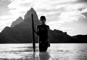 alexis ren, kim akrich 2017, final fantasy xv, sexy girl, sexy brunette, sexy ftopx girl, perfect body, tanned, sea, tropics, grayscale photo, swimsuit, wet, snorkeling, snorkeling mask
