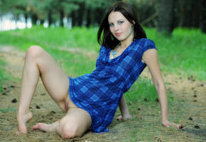 brunette, pussy, outdoors, legs, shaved pussy, no panties