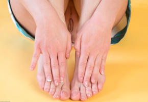nikia a, pussy, shaved pussy, sexy, hi-q, hands, legs, feet, labia