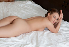 nikia a, naked, sexy, bed, model, hi-q, pussy, shaved pussy, all natural, brunette, legs, smile, braid, boobs, tits, breast