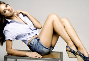 irina shayk, top model, brunette, russian, sensual lips, shirt, shorts, jeans short, legs, 4k
