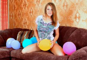 viola bailey, luftballons, sofa, sexy, smile, non nude