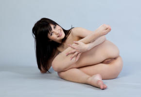 zelda b, zelda, arina b, naked, sexy, hi-q, shaved pussy, pussy, model, hot, smile, legs, brunette, all natural, sexy girl, feet, ass