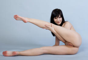 zelda b, zelda, arina b, naked, sexy, hi-q, shaved pussy, pussy, model, hot, smile, legs, brunette, all natural, sexy girl, boobs, tits, breast, feet, spreading legs, ass