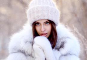 model, pretty, babe, brunette, blue eyes, russian, sensual lips, gloves, beanie, fur, snow, 4k, face, portrait