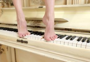 jasmine hane, model, feet, graceful feet, piano