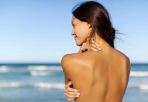 model, brunette, topless, outside, back, sea, beach, smile